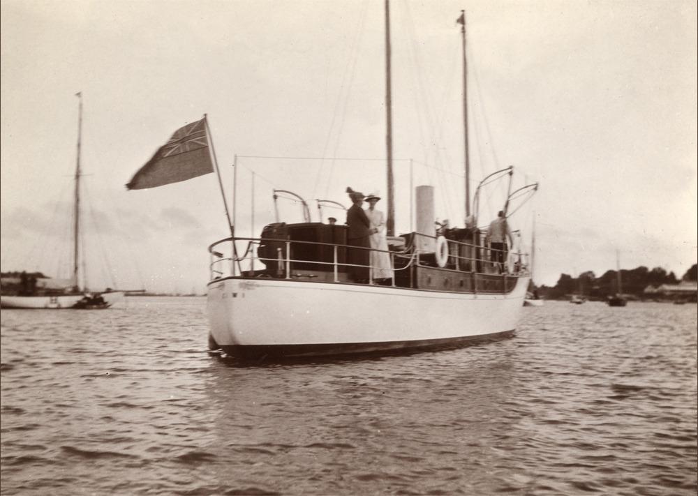 Samuel White Motor Yacht
